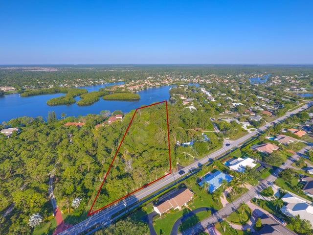 19000 SE Country Club Drive, Tequesta, FL 33469