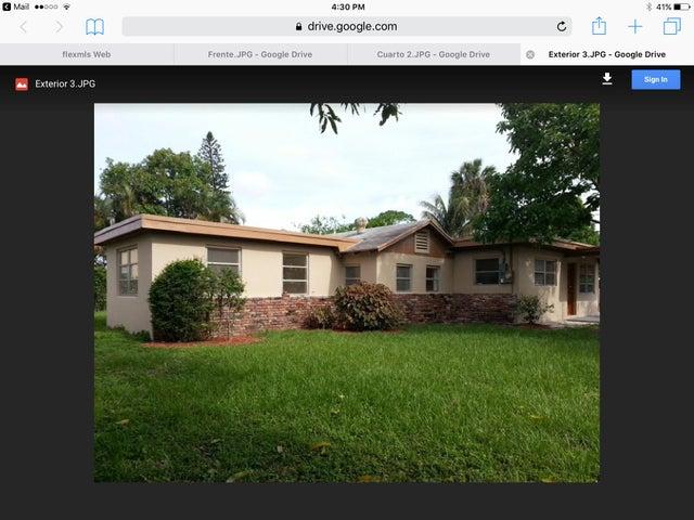 121 Caroline Drive, West Palm Beach, FL 33413