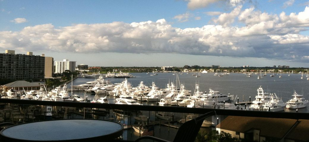 100 Lakeshore Drive, 654, North Palm Beach, FL 33408