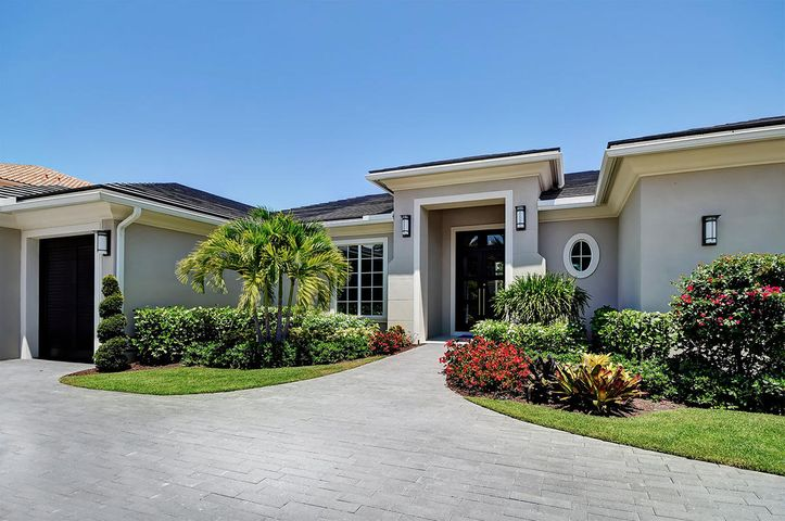 647 Hermitage Circle, Palm Beach Gardens, FL 33410