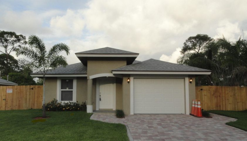 3194 Evans Drive, Palm Springs, FL 33461