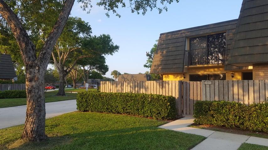 1601 16th Way, West Palm Beach, FL 33407