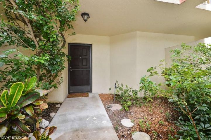 955 Egret Circle, 107, Delray Beach, FL 33444