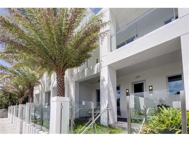 259 Shore Court, Lauderdale By The Sea, FL 33308