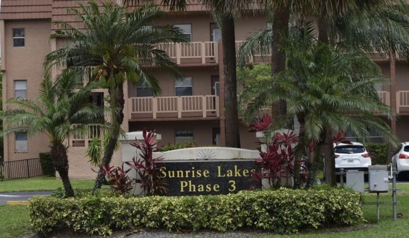 9801 Sunrise Lakes Boulevard 102, Sunrise, FL 33322