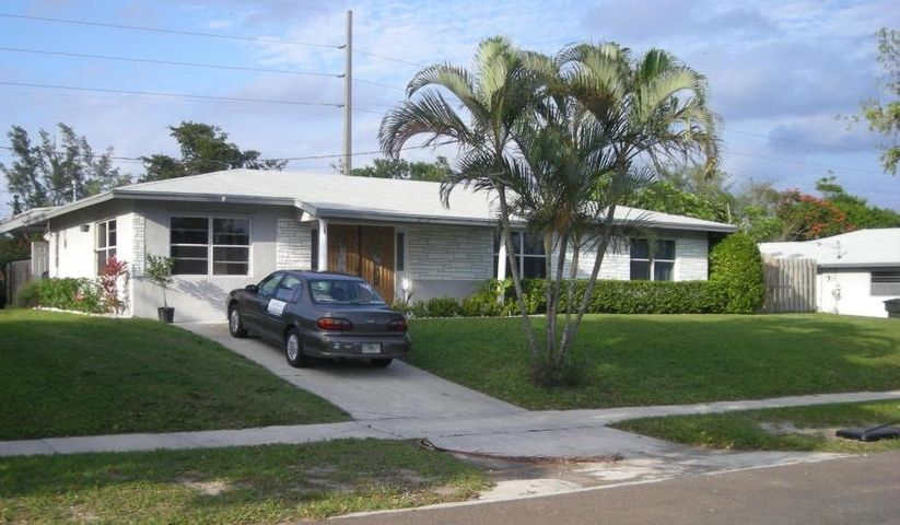 2032 6th Court S, Lake Worth, FL 33461