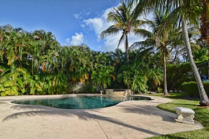 237 Rilyn Drive, West Palm Beach, FL 33405