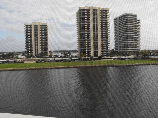 36 Yacht Club Drive, 503, North Palm Beach, FL 33408