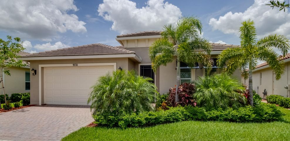 9721 SW Chestwood Avenue, Port Saint Lucie, FL 34987