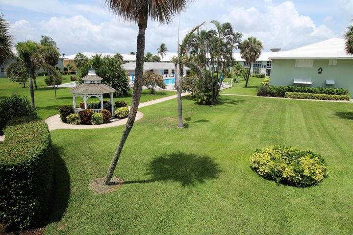 5550 N Ocean Boulevard, 201, Ocean Ridge, FL 33435