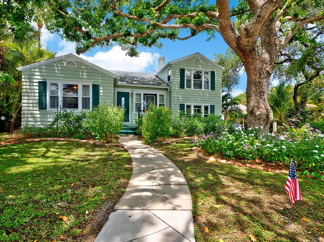319 N Lakeside Drive, Lake Worth, FL 33460