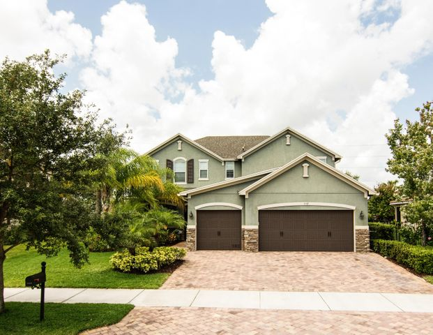 553 SW Sun Circle, Palm City, FL 34990
