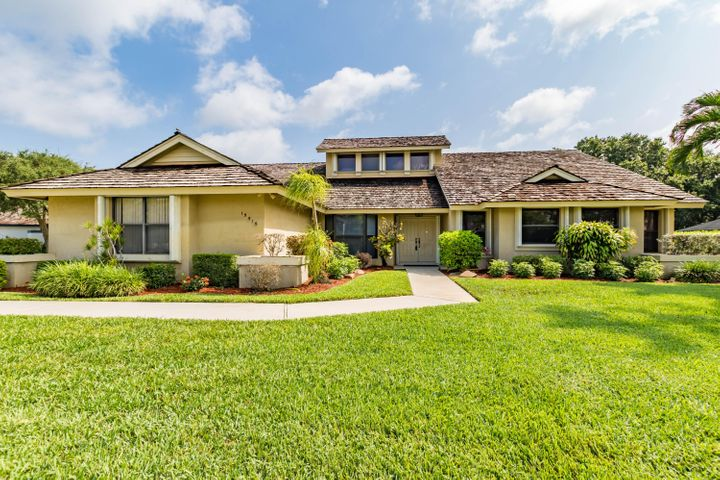 15515 Woodmar Court, Wellington, FL 33414