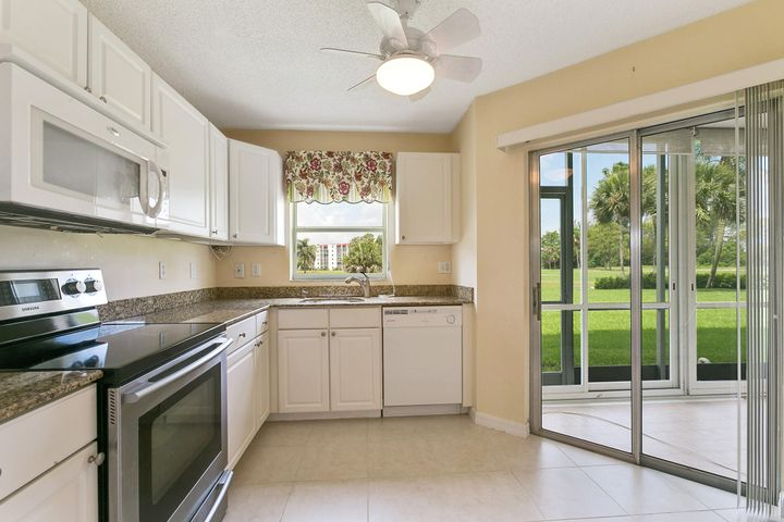 3465 Via Poinciana, 101, Lake Worth, FL 33467