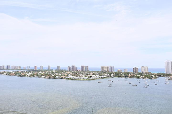 2650 Lake Shore Drive, 2104, Riviera Beach, FL 33404