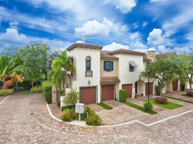 825 Via Villagio, Hypoluxo, FL 33462