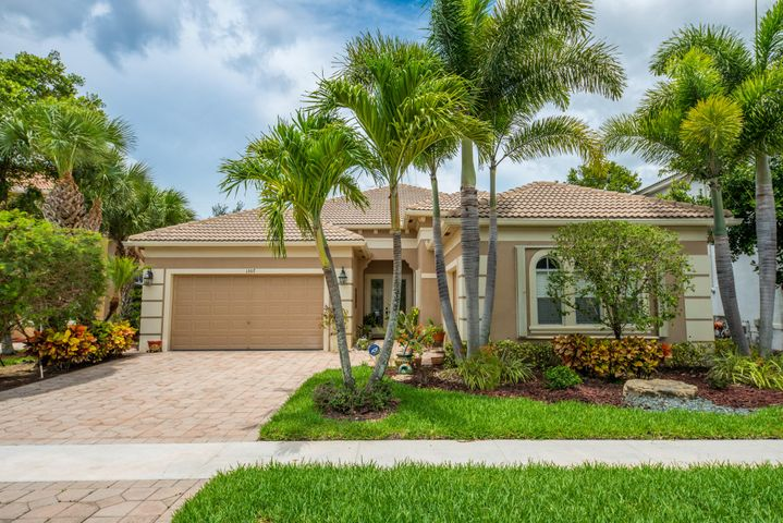 1307 Beacon Circle, Wellington, FL 33414