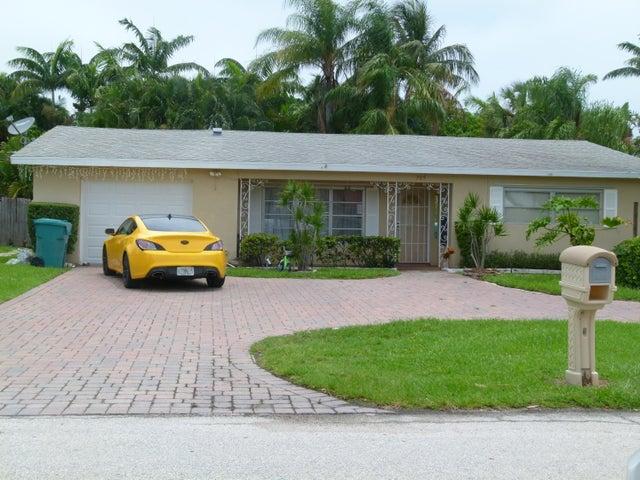 705 Ocean Inlet Drive, Boynton Beach, FL 33435