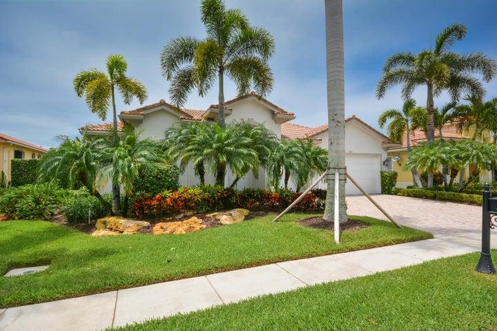 511 Les Jardin Drive, Palm Beach Gardens, FL 33410
