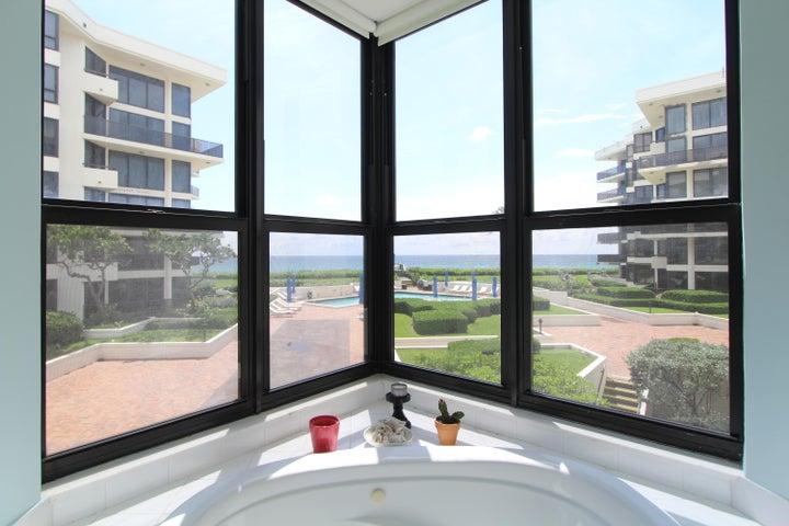 3120 S Ocean Boulevard, 2-101, Palm Beach, FL 33480