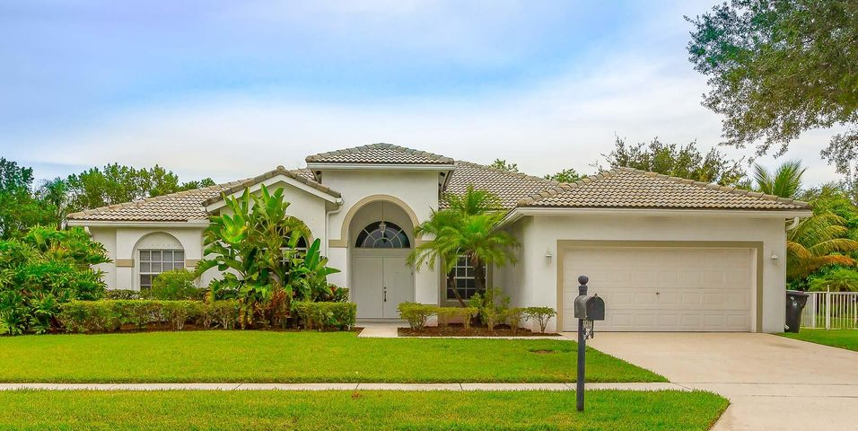 11314 Edgewater Circle, Wellington, FL 33414
