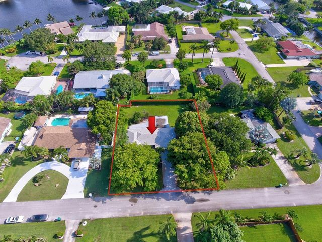 936 SW 37th Court, Boynton Beach, FL 33435