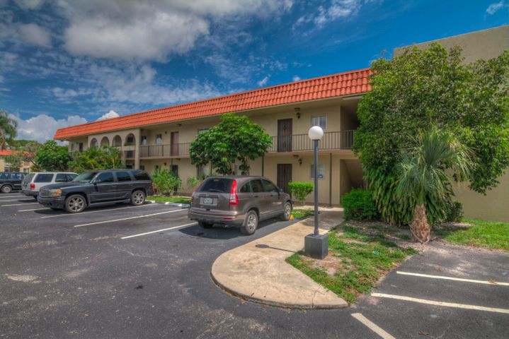 6074 Forest Hill Boulevard, 204, West Palm Beach, FL 33415