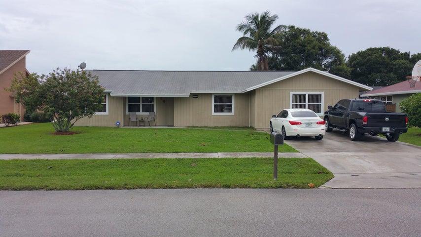 322 Las Palmas Street, Royal Palm Beach, FL 33411