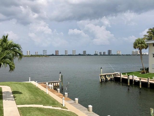 110 Shore Court, 206, North Palm Beach, FL 33408