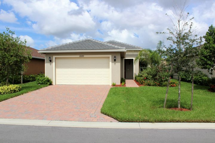 12271 SW Weeping Willow Avenue, Port Saint Lucie, FL 34987