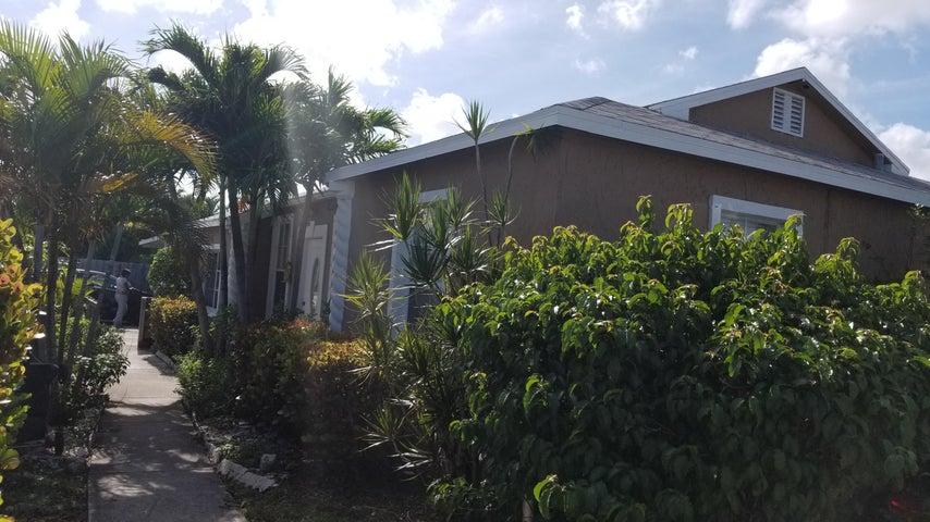 2403 Westgate Avenue, West Palm Beach, FL 33409