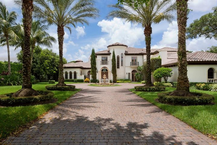 8747 Twin Lake Drive, Boca Raton, FL 33496