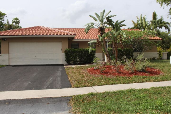 9201 NW 14 Court, Plantation, FL 33322