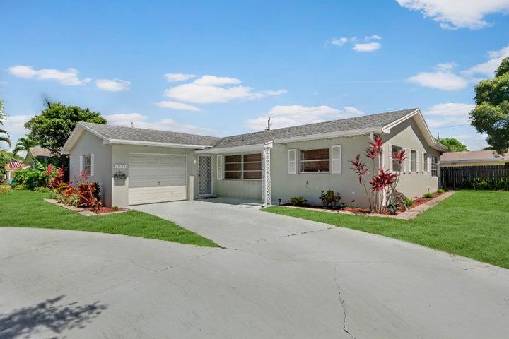 1034 Coral Drive, Boynton Beach, FL 33426
