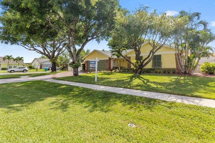 1242 Northwest 10th Court, Boynton Beach, FL 33426