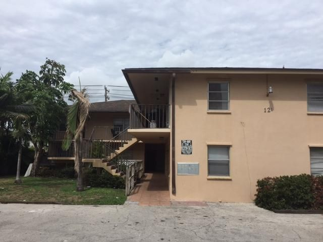 121 N B Street, 1, Lake Worth, FL 33460