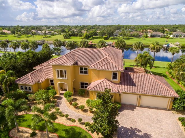 2618 SW River Shore Drive, Port Saint Lucie, FL 34984
