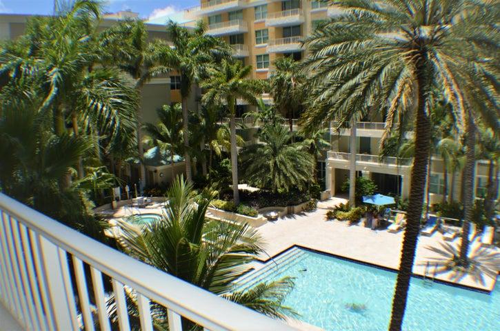625 Casa Loma Boulevard, 403, Boynton Beach, FL 33435