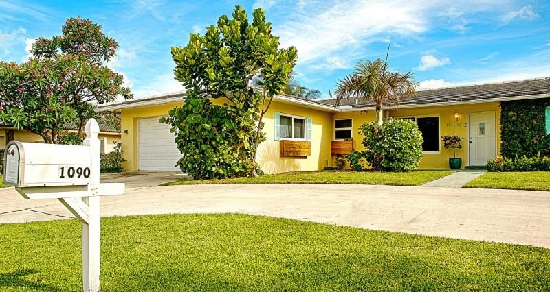 1090 Powell Drive, West Palm Beach, FL 33404