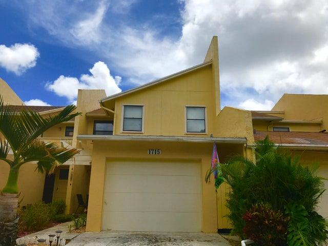 1715 Woodbridge Lakes Circle, West Palm Beach, FL 33406