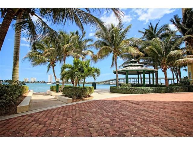 2650 Lake Shore Drive, 2005, West Palm Beach, FL 33404
