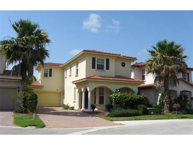 704 Duchess Court, Palm Beach Gardens, FL 33410