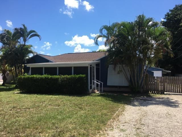 307 Pineway Terrace, West Palm Beach, FL 33406