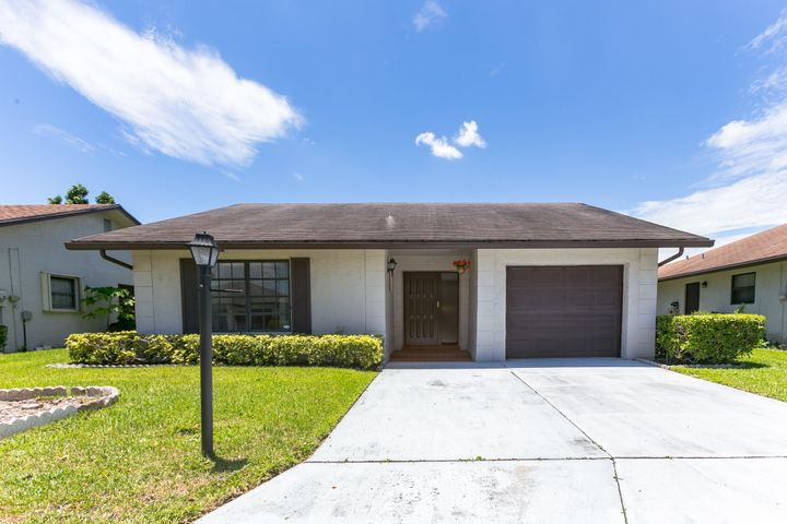 6264 American Azalea Lane, Greenacres, FL 33463