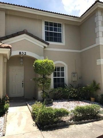 832 Summit Lake Drive, West Palm Beach, FL 33406