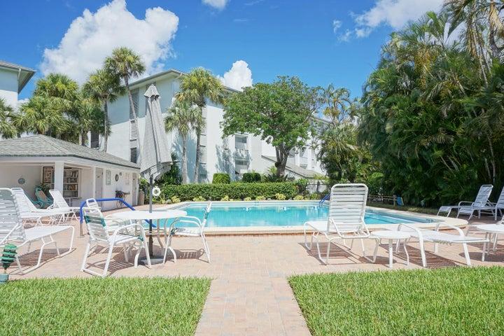 390 NE Edgewater Drive, 103, Stuart, FL 34996