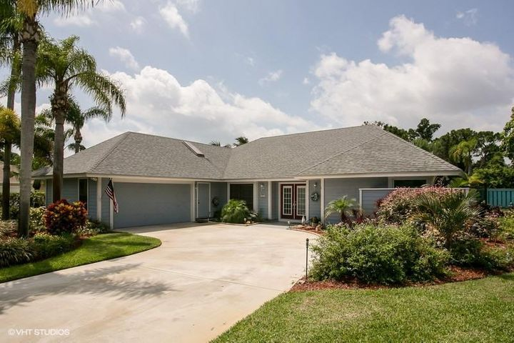 10820 SE Seminole Terrace, Tequesta, FL 33469
