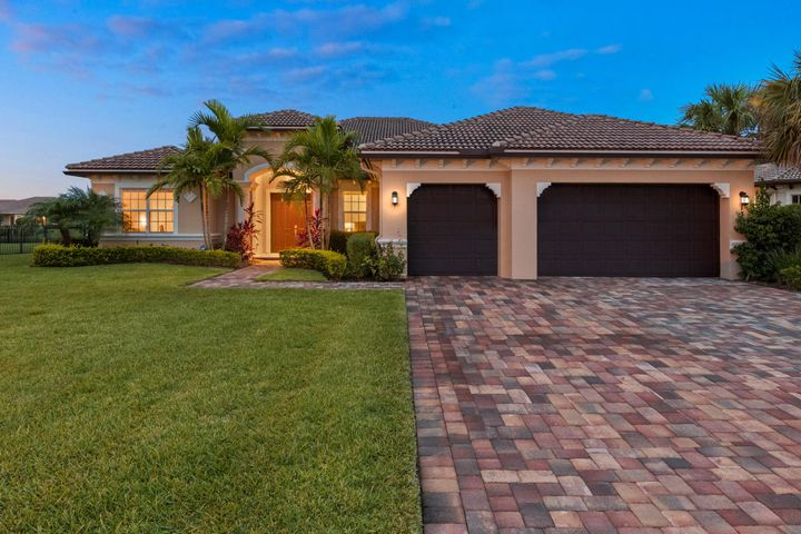 135 Steeple Circle, Jupiter, FL 33458