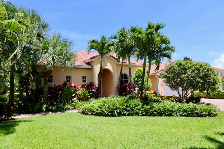 145 Magnolia Way, Tequesta, FL 33469