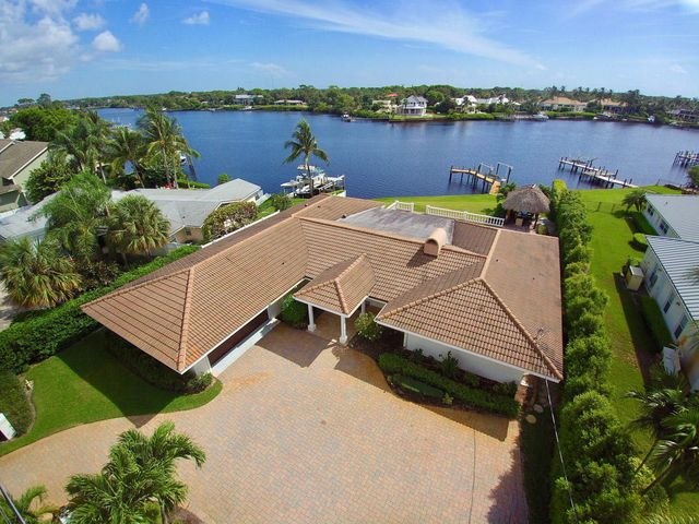 220 Country Club Drive, Jupiter, FL 33469